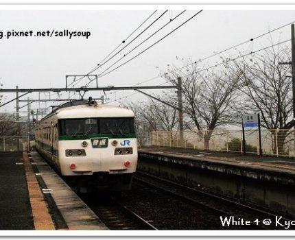 [2007 楓京都] 搭著JR到馬堀