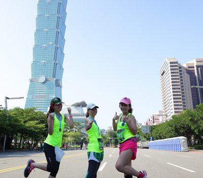 2013 Nike Amazing 女生路跑。