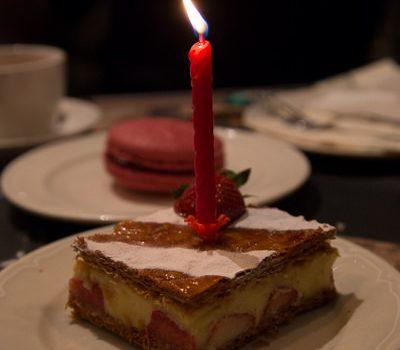 [美食饗宴] PAUL。用草莓千層派當生日蛋糕~