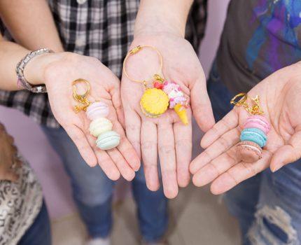 讓女孩尖叫的甜點粘土課程,超夢幻馬卡龍鑰匙圈