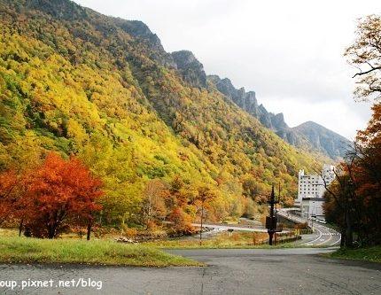 秋天旅行.北海道的楓紅與溫泉