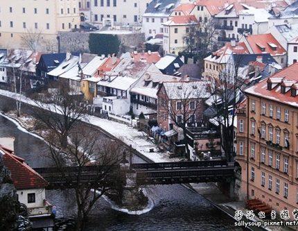 [旅行地圖] 捷克.彩繪系的童話小鎮.克魯羅夫