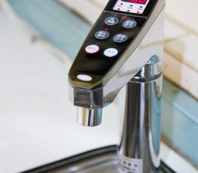 [試用] 愛惠浦櫥下型冷熱飲水設備。在家天天輕鬆喝好水